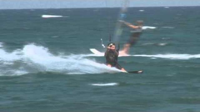 DiscoverKynouria.gr - Windsurfing - Kitesurfing στον Μύλο (Mylos)